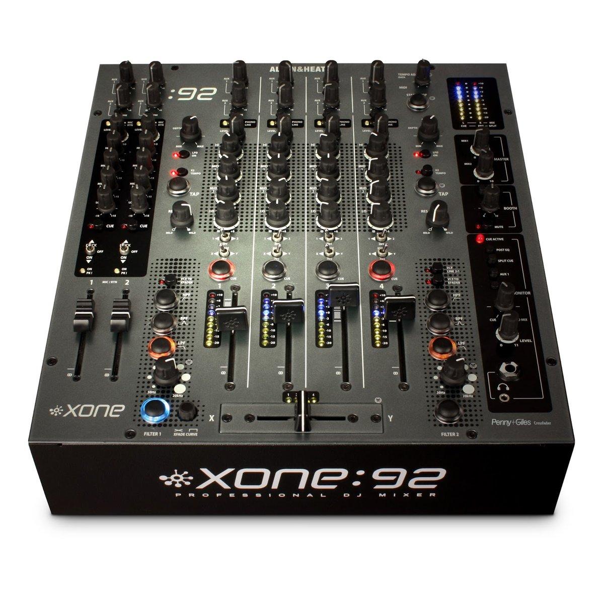 Микшерный пульт XONE 92
